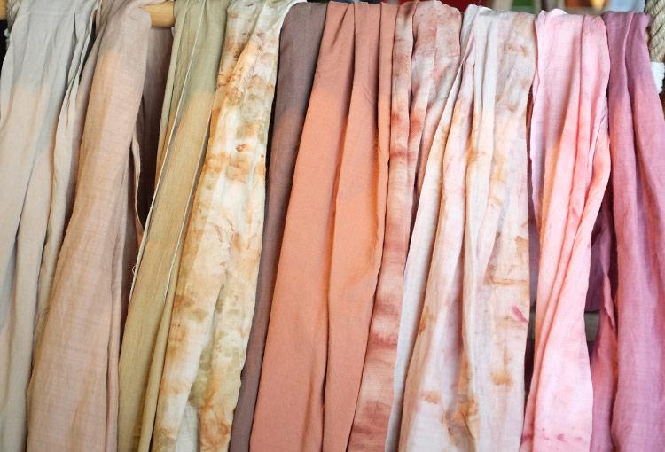 I migliori tessuti per l'estate